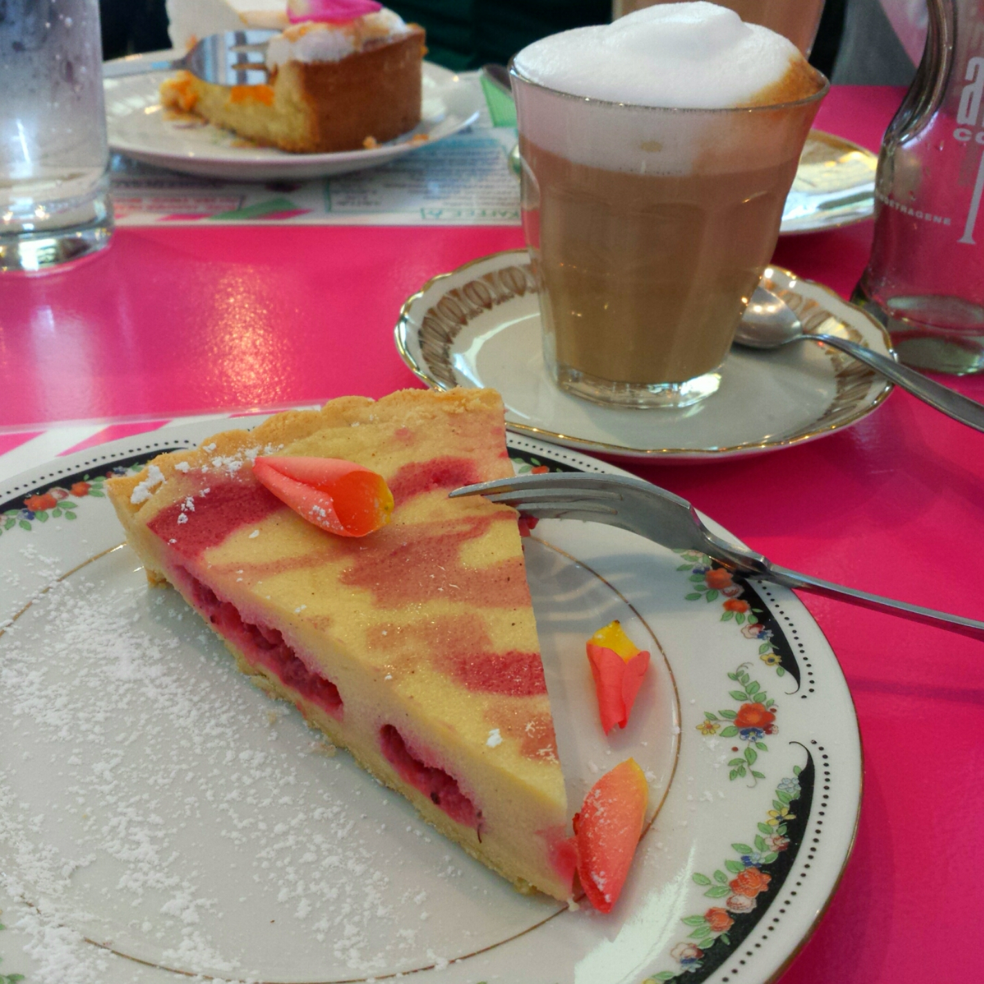 Kaffee und Kuchen in der Maxvorstadt: Der Gartensalon